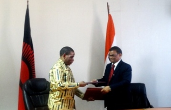 Signing of MOU and Exchange of Agreement on setting up of a M&SE Business Incubation Centre in Malawi on 16 September, 2016 at the Ministry of Industry, Trade and Tourism, Malawi. Hon'ble Mr. Joseph Mwanamvekha, Minister for Industry, Trade and Tourism signed on behalf of the Govt of Malawi and Mr. Suresh Kumar Menon, High Commissioner of India to Malawi signed on behalf of GoI.