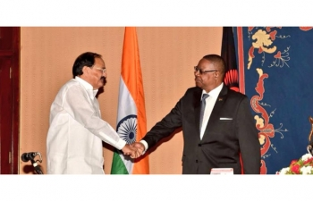 Hon. Vice President of India Shri M. Venkaiah Naidu with the President of Malawi Prof. Arthur Peter Mutharika, at the State House during Tete-e-Tete in Lilongwe, Malawi on 5 November 2018