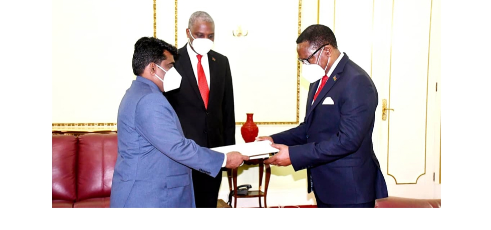 High Commissioner, Mr. S. Gopalakrishnan presents his Letter of Credence to the President of Malawi on 30 March 2021